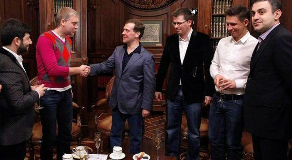 Резиденты Камеди и Медведев