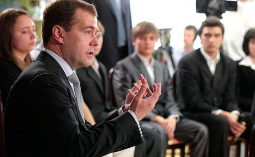 Медведев и экономисты