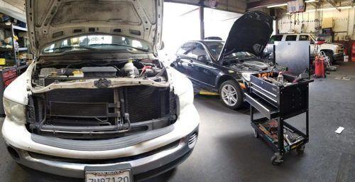 Машины в ремонте